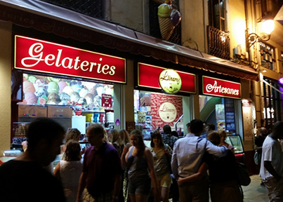 Blog 11 Gelato at midnight in the Placa de la Reina image